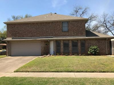 Euless Single Family Home For Sale: 109 Main Place
