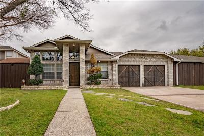 Grand Prairie Single Family Home Active Option Contract: 831 Over Ridge Drive