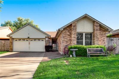 Tarrant County Single Family Home For Sale: 516 Valley Mills Drive