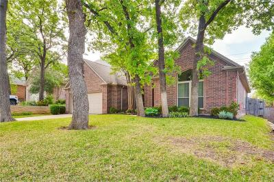 Grapevine Single Family Home For Sale: 1817 Glen Wood Drive