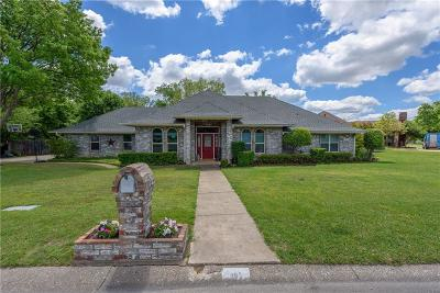 Highland Village Single Family Home For Sale: 802 Highland Hills Lane
