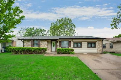 Garland Single Family Home For Sale: 2615 Scotswood Drive