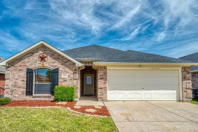 Burleson Single Family Home Active Option Contract: 12221 Hunters Knoll Drive