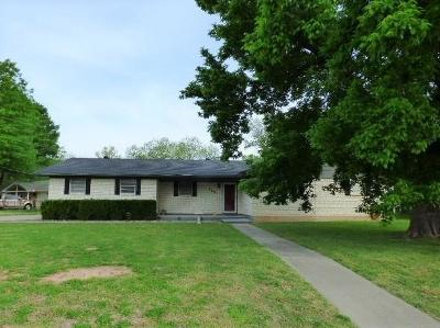 Wise County Single Family Home For Sale: 2001 Thompson Court