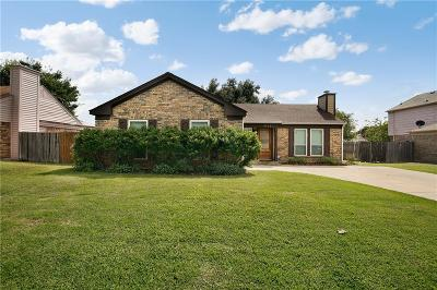 Fort Worth Single Family Home For Sale: 3712 Bigleaf Lane