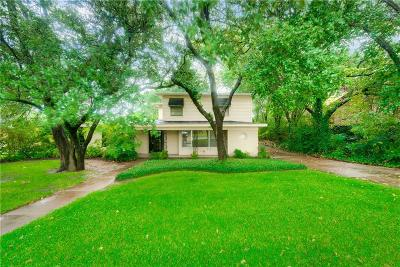 Tarrant County Single Family Home For Sale: 6455 Waverly Way