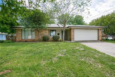 Grapevine Single Family Home For Sale: 2025 Redwood Trail