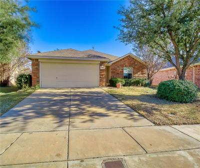 Fort Worth Single Family Home For Sale: 8428 Cactus Flower Drive