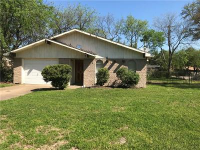 Grand Prairie Single Family Home For Sale: 514 Wildflower Drive