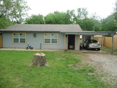 Everman Single Family Home For Sale: 210 E Barron Avenue