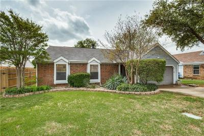 Euless Single Family Home For Sale: 304 Rosemary Lane