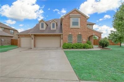 Tarrant County Single Family Home For Sale: 2600 Wood River Parkway
