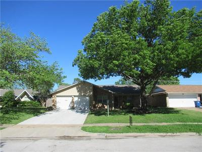 Grand Prairie Single Family Home For Sale: 1617 Camara Court