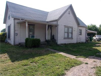 Montague County Single Family Home For Sale: 204 Taylor Street