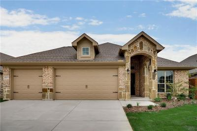 Fort Worth Single Family Home For Sale: 5937 Scottsdale Lane