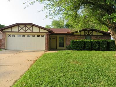 Tarrant County Single Family Home For Sale: 119 Hidalgo Lane