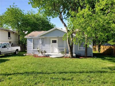 Desoto Single Family Home For Sale: 109 Chowning Drive