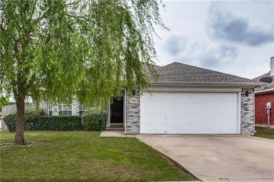 Fort Worth Single Family Home For Sale: 9044 Rushing River Drive