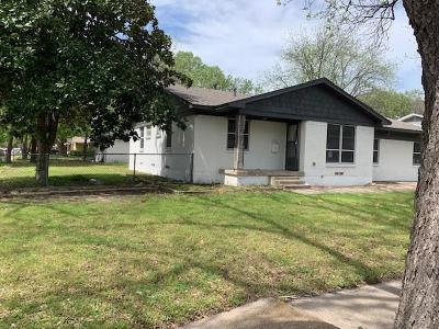 Garland Single Family Home For Sale: 601 E Sanders Drive E