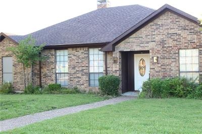 Carrollton Single Family Home For Sale: 2511 Partridge Place