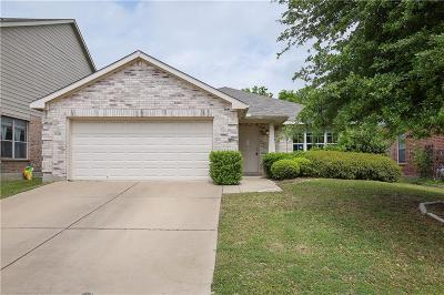 Fort Worth Single Family Home For Sale: 13300 Padre Avenue