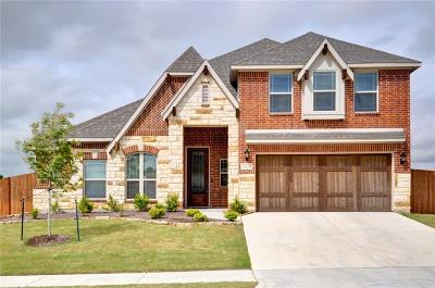 Midlothian Single Family Home For Sale: 2425 Moon Dance Lane