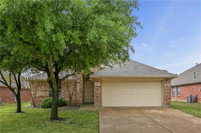 Grand Prairie Single Family Home For Sale: 1355 Clearwater Drive