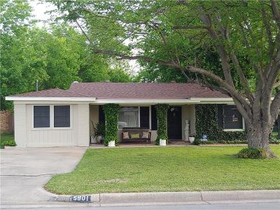 North Richland Hills Single Family Home For Sale: 5901 Circular Drive