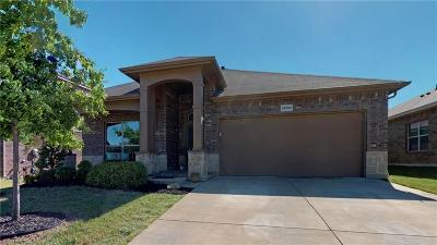 Fort Worth Single Family Home For Sale: 15737 Carlton Oaks Drive