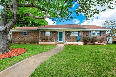 Mckinney Single Family Home For Sale: 2102 Quail Run