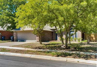 Denton Single Family Home For Sale: 2505 Whispering Oaks
