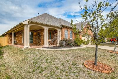 Fort Worth Single Family Home For Sale: 10121 Ash Creek Lane