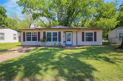 Grand Prairie Single Family Home For Sale: 933 Indian Hills Drive