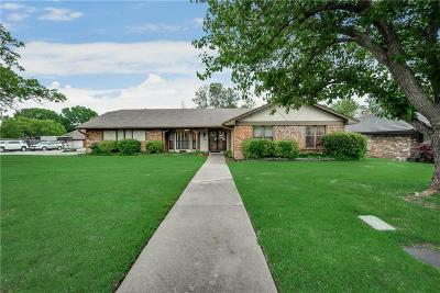 North Richland Hills Single Family Home For Sale: 6760 Greenacres Drive