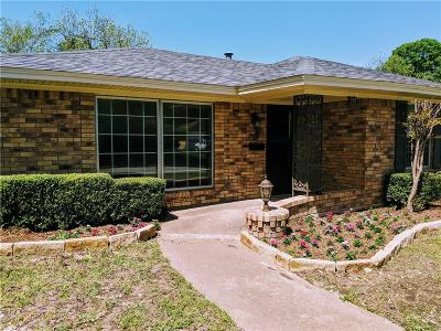 Desoto Single Family Home For Sale: 353 Brook Hollow Drive