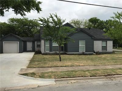 Grand Prairie Single Family Home For Sale: 305 NE 10th