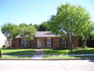 Carrollton Single Family Home For Sale: 2104 E Peters Colony Road