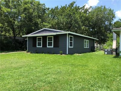 Dallas TX Single Family Home For Sale: $180,000