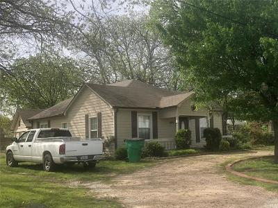 Cooke County Single Family Home For Sale: 1901 N Weaver Street