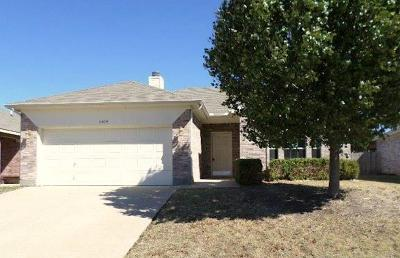 Fort Worth Single Family Home For Sale: 6404 New Harbor Lane