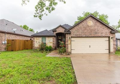 Grand Prairie Single Family Home For Sale: 2022 Beaumont Street