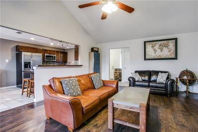 Euless Single Family Home For Sale: 404 Live Oak Drive