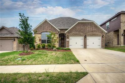 Fort Worth Single Family Home For Sale: 8313 Meadow Sweet Lane