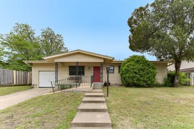 Fort Worth TX Single Family Home For Sale: $160,000