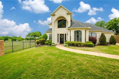 North Richland Hills Single Family Home For Sale: 5501 Greenview Court
