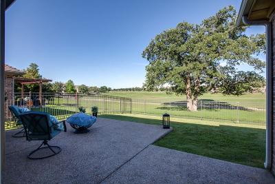 Lantana Single Family Home For Sale: 1441 Meadows Avenue