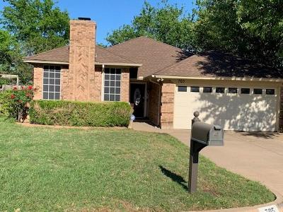 Fort Worth Single Family Home For Sale: 705 Sandy Trail