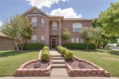 Haltom City Single Family Home For Sale: 5273 Dillon Circle
