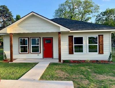 Grayson County Single Family Home For Sale: 103 Texas Street