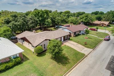 Fort Worth Single Family Home For Sale: 7804 Pebbleford Road
